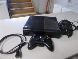 Xbox 360 konzol , jótállással , 250 GB, főkép