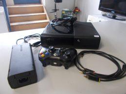 Xbox 360 konzol 4 GB Memóriával jótállással, főkép