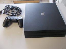 Sony PlayStation 4 Pro Konzol jótállással, főkép