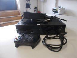 XBox One Fatt játékkonzol jótállással, főkép