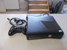 Xbox 360 konzol 250 GB HDD , jótállással, főkép