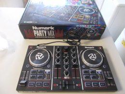 Numark Party Mix Keverőpult jótállással, főkép